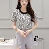 เสื้อผ้าเกาหลี พร้อมส่งSexy Lace Top + Purple Grey Shirt Set