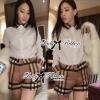 ( พร้อมส่งเสื้อผ้าเกาหลี) เซ็ตเสื้อเชิ้ตและกางเกงผ้าลายเบอร์เบอร์รี่ เซ็ตนี้คุ้มมากๆเพราะได้ถึงสองตัว ใส่เข้าเซ็ตกันก็ดูหรูหราเป็นผู้ดีสุดๆ ลายสวยมากเป็นลายซิกเนเจอร์ของเบอร์เบอร์รี่เลยนะคะ งานเป๊ะมาก ตัวเชิ้ตเป็นเชิ้ตขาวประดับลายตารางสีน้ำตาลที่คอเสื้อแล