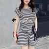 เสื้อผ้าเกาหลีพร้อมส่ง Chic Chic Stripe Pattern Set