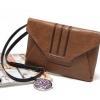 กระเป๋าถือ หรือ สะพาย Givenchy ของแท้ สินค้างานเกินออร์เดอร์จากโรงงาน OEM วัสดุของลูกค้าทั้งหมด มีสายยาวถอดเก็บได้ สามารถใส่ไอแพดได้ จุของได้เยอะ หนังไม่แข็งนะคะ หนังออกนิ่มๆ หนังสวยมากค่ะ สินค้ามีจำนวนจำกัดค่ะ มีสี : สีน้ำเงิน Size 30x22 cm. รูปถ่ายจริงค