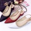รองเท้าคัชชูหัวแหลมตอกหมุดรัดส้น วัสดุทำจากหนัง สวย2IN1 มากๆค่ะ ทรงรองเท้า style zara