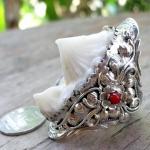 แหวนหัวกระเบนสองหัวคู่(หัวใหญ่สุด สวยสุด) สไตร์อเมริกันอินเดียน ประดับด้วยกัลปังหาแดง(วงใหม่)
