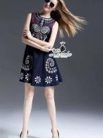 fashionista floral embroidered sleeveless denim dress