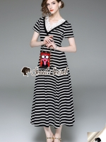 ชุดเดรสเกาหลีพร้อมส่ง Vee Daisy Collar Stripe Dress