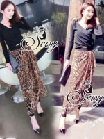Cross Over V-Neck Shirt With Leopard Chiffon Cover Legging Sets
