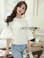 เสื้อผ้าเกาหลีพร้อมส่ง เสื้อผ้าคอตตอนทับด้วยผ้าตาข่ายปักดอกไม้สีขาว