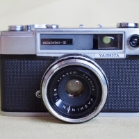 YASHICA MINISTER D