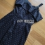 ชุดเดรสเกาหลีพร้อมส่ง เดรสผ้าเครปลายจุดสีขาว-ดำทรงเปิดไหล่ thumbnail 9