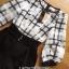 เสื้อผ้าเกาหลี พร้อมส่งเพลย์สูทขาสั้นผ้าคอตตอนปักลายตาราง thumbnail 6