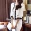 เสื้อผ้าเกาหลี พร้อมส่ง เซ็ตเสื้อคลุมโทนสีขาวตัวสั้นตัดแต่งขอบสีดำ thumbnail 5