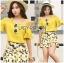 เสื้อผ้าเกาหลี พร้อมส่งเซ็ตเสื้อเปิดไหล่สีเหลืองและกระโปรงกางเกงพิมพ์ลายเลมอน thumbnail 6