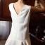 ชุดเดรสเกาหลี พร้อมส่ง luxury สีขาวช่วงชายชุดเดรสด้วย เพชรและมุข อย่างดี thumbnail 3