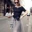 ( พร้อมส่งเสื้อผ้าเกาหลี) เซ็ตเสื้อแขนสั้นเนื้อผ้า Polyester+Spendex อัดพลีทแน่นยืดได้เยอะ ไม่อึดอัด สามารถใส่กับเกาะอกด้านในได้หลากหลายแบบ กระโปรงผ้าแก้วซีทรู Organza เกรดดี เนื้อผ้านิ่ม มีซับในในตัว พร้อมผ้าผูกเอวเนื้อผ้า Silk Satin เนื้อเงาดูหรูหรา และ thumbnail 1