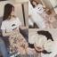 เสื้อผ้าเกาหลีพร้อมส่ง เซท2ชิ้น เสื้อผ้ายืดเนื้อดีกระโปรงผ้าชีฟรองติดดอก3มิติ thumbnail 5