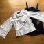 เสื้อผ้าเกาหลี พร้อมส่งเชิ้ตสีขาวแขนบานพร้อมเดรสผ้าเดนิมติดกระดุมสองแถวปักเลื่อม thumbnail 13