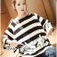 เสื้อผ้าเกาหลี พร้อมส่ง เสื้อยาวพิมพ์ลายทางและสกรีนลายมินนี่เมาส์ thumbnail 3