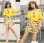 เสื้อผ้าเกาหลี พร้อมส่งเซ็ตเสื้อเปิดไหล่สีเหลืองและกระโปรงกางเกงพิมพ์ลายเลมอน thumbnail 3