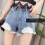 เสื้อผ้าแฟชั่นพร้อมส่ง กางเกงยีน korea style ขาสั้น แต่งลูกไม้ thumbnail 3
