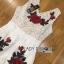 เสื้อผ้าเกาหลี พร้อมส่งเพลย์สูทขาสั้นผ้าลูกไม้ปักดอกกุหลาบสีแดง3D thumbnail 11