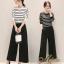 เสื้อผ้าเกาหลีพร้อมส่ง ชุด Set 2 ชิ้น เสื้อคอกลม แขนยาวลายขวาง+กางเกงขายาว 9 ส่วน thumbnail 1