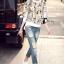 เสื้อผ้าเกาหลี พร้อมส่งกางเกงยีนส์เอวสูงเข้ารูป ขาด ๆ เซอร์ ๆ thumbnail 3