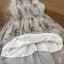 เสื้อผ้าเกาหลี พร้อมส่งเดรสสีขาวพิมพ์ลายดอกไม้โทนสีเทา thumbnail 12