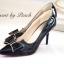 รองเท้า PRADA Style คัทชูส้นสูงหัวแหลม ด้านหน้าเล่นดีไซน์ V curve แบบเก๋สุดๆ แต่งโบว์ เพิ่มความน่ารักอีกระดับ วัสดุหนังอย่างนิ่ม สีสวยน่ารักดูดี คู่นี้ใส่สบายเท้า ส้นเรียวไม่สูงมาก ใส่ไม่เมื่อยจร้าาา พื้นนิ่มอย่างดีค่ะ thumbnail 5