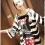 เสื้อผ้าเกาหลี พร้อมส่ง เสื้อยาวพิมพ์ลายทางและสกรีนลายมินนี่เมาส์ thumbnail 5