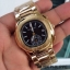Patek Philippe หน้าปัดขนาด 35 mm. แสดงวันที่ตำแหน่ง 3 นาฬิกา เข็มล่างใช้งานได้จริง เป็นเข็มวินาที สายสแตนเลสสีทอง สายกลิ๊บล็อค งานสวยมากๆ ราคา 1090 thumbnail 4