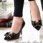 รองเท้า PRADA Style คัทชูส้นสูงหัวแหลม ด้านหน้าเล่นดีไซน์ V curve แบบเก๋สุดๆ แต่งโบว์ เพิ่มความน่ารักอีกระดับ วัสดุหนังอย่างนิ่ม สีสวยน่ารักดูดี คู่นี้ใส่สบายเท้า ส้นเรียวไม่สูงมาก ใส่ไม่เมื่อยจร้าาา พื้นนิ่มอย่างดีค่ะ thumbnail 8