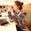 ( พร้อมส่งเสื้อผ้าเกาหลี) เสื้อคลุมเนื้อผ้าไหมพรมเนื้อสวยมากๆ สวยดูหรูด้วยงานทอเป็นลายสไตล์ Retro ลายทอเป็นลายนูนนะคะ ดูสวยมากคะ เก๋ๆ ด้วยทรง Jacket อินเทรนด์ Autumn Winter thumbnail 9