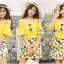 เสื้อผ้าเกาหลี พร้อมส่งเซ็ตเสื้อเปิดไหล่สีเหลืองและกระโปรงกางเกงพิมพ์ลายเลมอน thumbnail 5