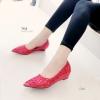 รองเท้าคัชชู เตารีด ลูกไม้ปักแน่น งานสวย [สีแดง]