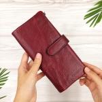 กระเป๋าสตางค์หนังแท้ทรงยาว สีแดงเลือดนก เก็บของได้เยอะมาก เเยกชิ้นส่วนได้ ใส่มืือถือได้