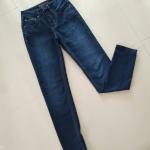 กางเกงยีนส์เอวสูงสีเข้ม แบรน์ด์ Santana แท้ค่ะ เอว 26-27นิ้ว สะโพก 35-36 ยาว40นิ้ว