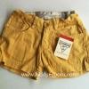 Oshkosh กางเกงขาสั้น สีเหลือง แต่งกระดุมปลายขา ปรับเอวได้ ผ้าไม่หนา ใส่ชิวๆ ได้ทุกวันค่ะ size 3, 4, 5, 6
