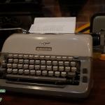 เครื่องพิมพ์ดีด adler รหัส17661ad