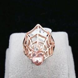 Rose Gold Spider Ring แหวนแฟชั่นโลหะสีโรสโกลด์รูปแมงมุมแต่งคริสตัล