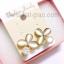 ต่างหูแฟชั่นรูปดอกไม้ สีไข่มุก ขอบสีทอง ประดับด้วยคริสตอล เรียบหรู thumbnail 2